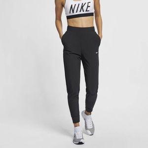 Nike Bliss Pant - Black